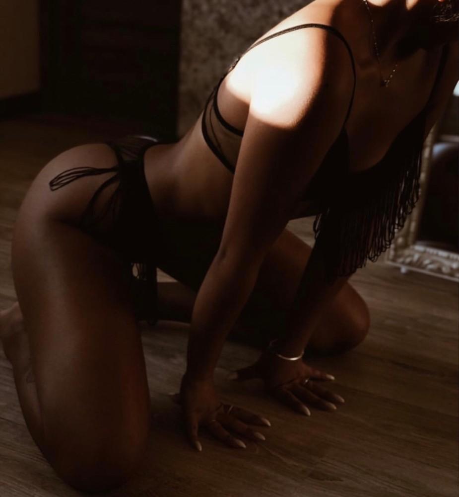 Проститутка шоколадка снять проститутку моршанск